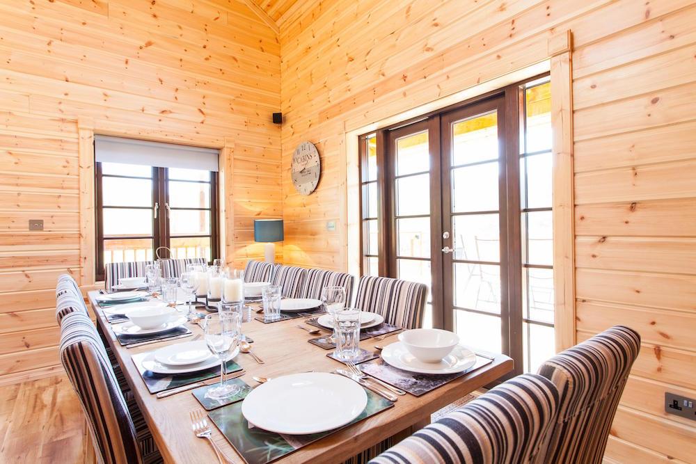 Log Cabins Dining Room