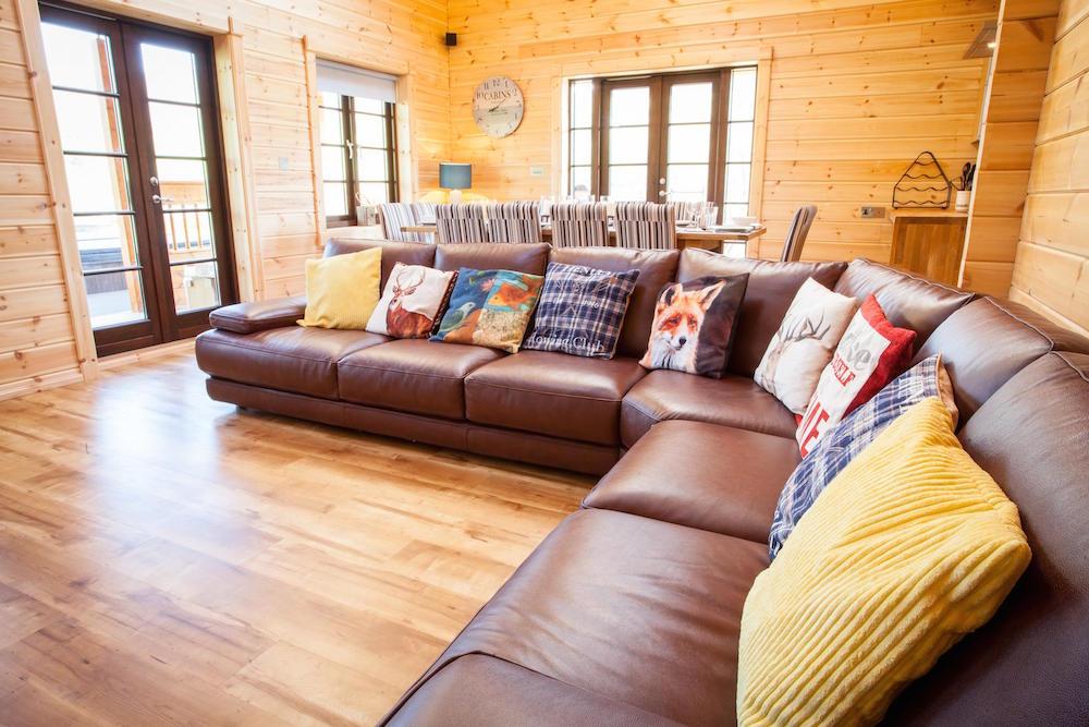 Log Cabins Lounge